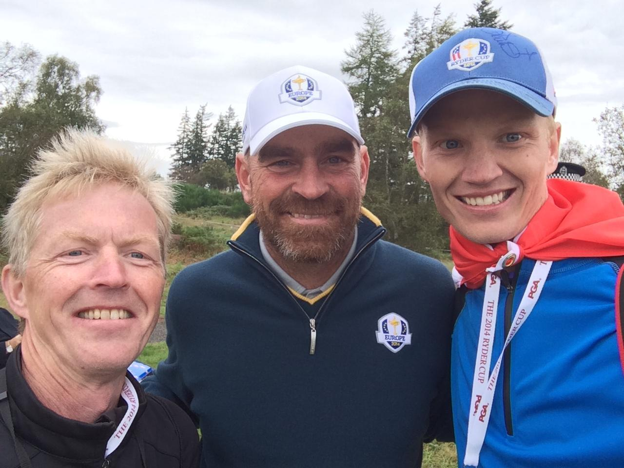 Picture from the 2014 Ryder Cup of Johan (right) with his father (left) and Johan's idol Thomas Bjørn.